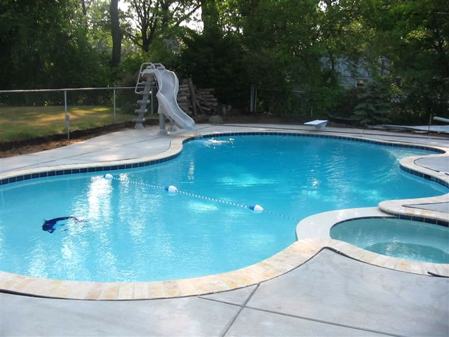 Freeform concrete Pool