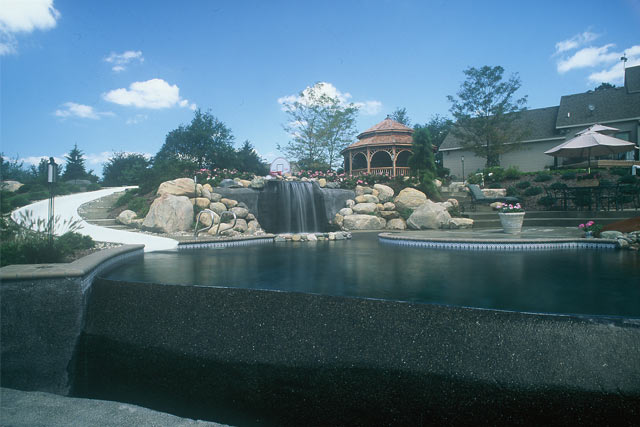 Waterfall custom pool
